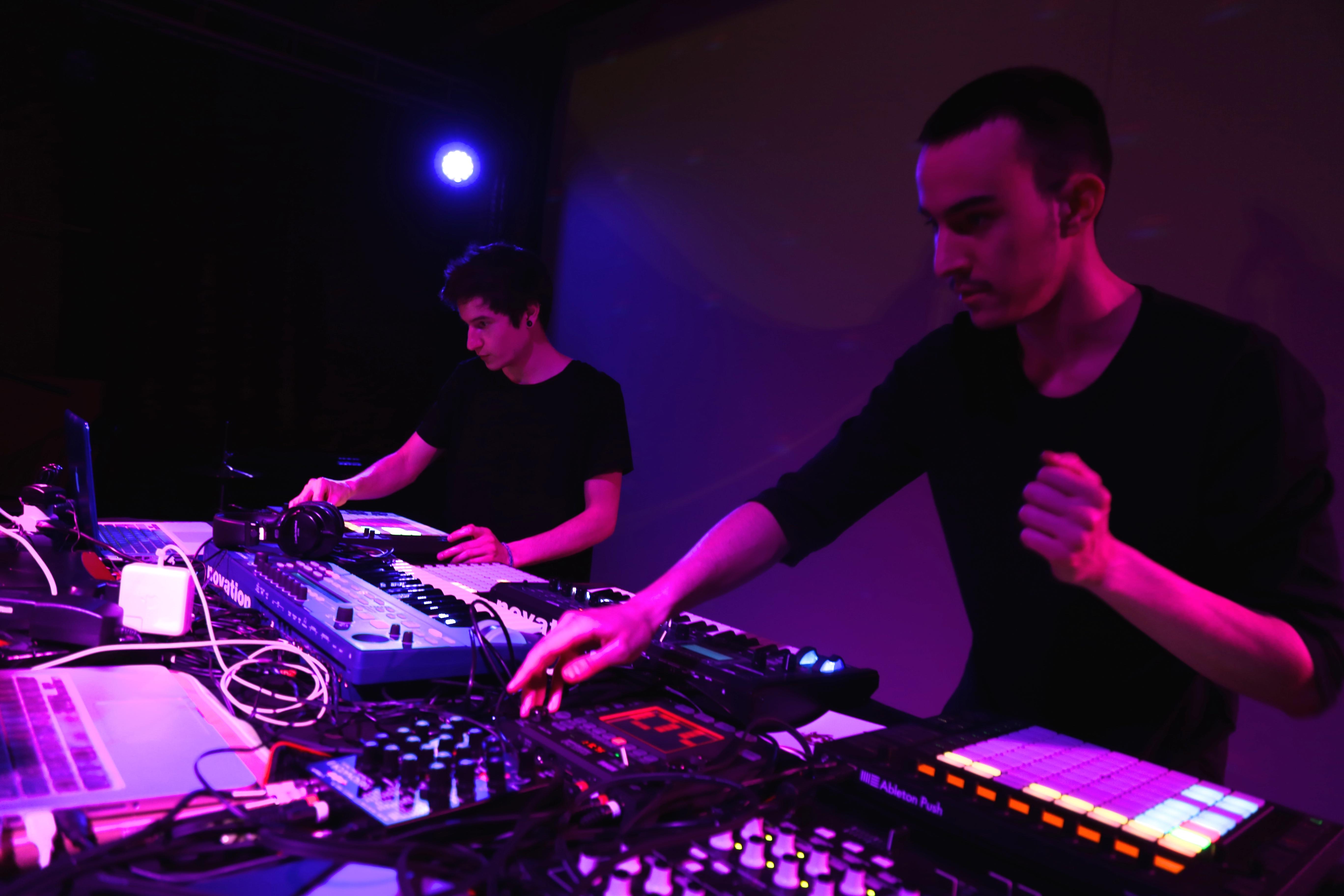 Giulio Centis e Nicola Narbone/ Salotto.Vienna