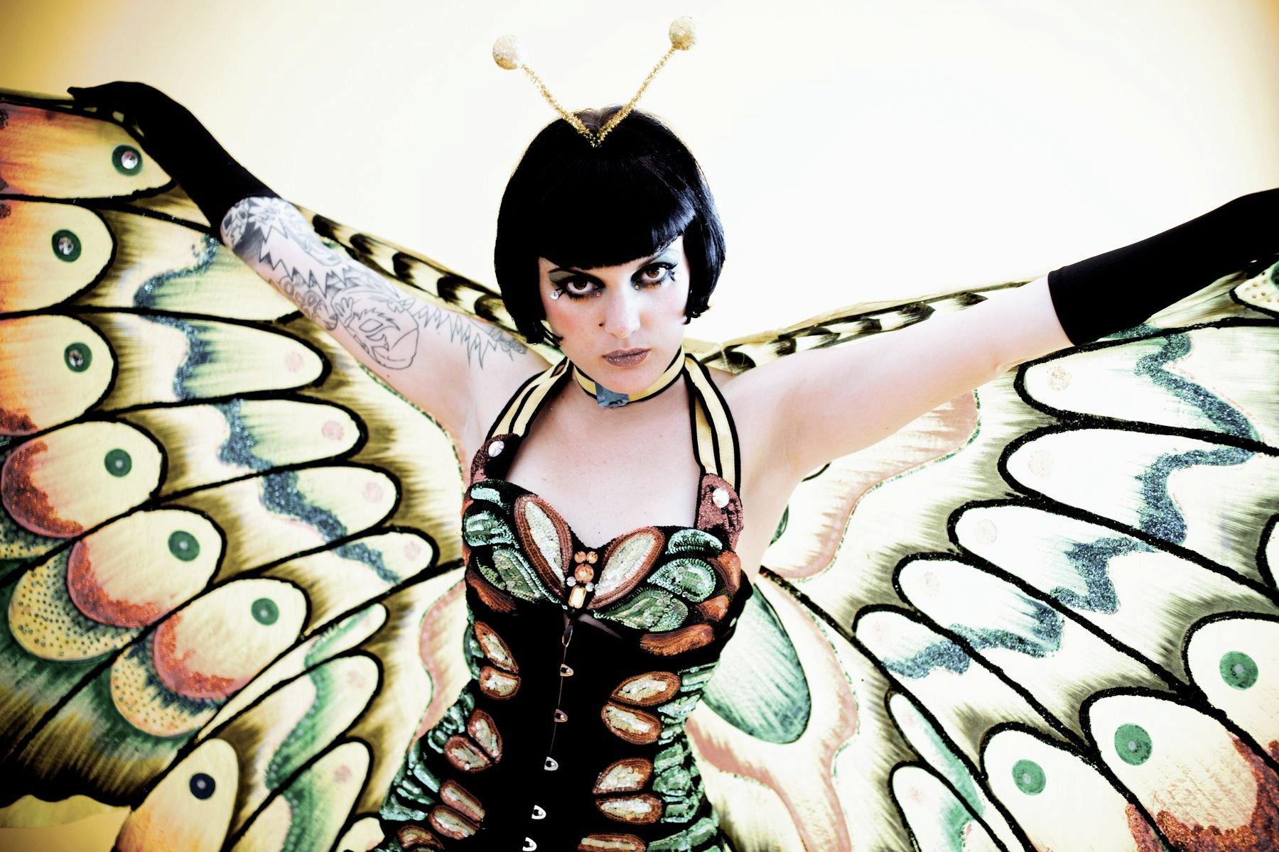 Cleo Viper: da icona underground a stella internazionale del burlesque, ha scelto Trieste come nuova casa